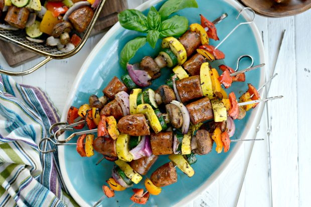 30-minute Chicken Sausage + Italian Vegetable Kebabs l SimplyScratch.com (19)