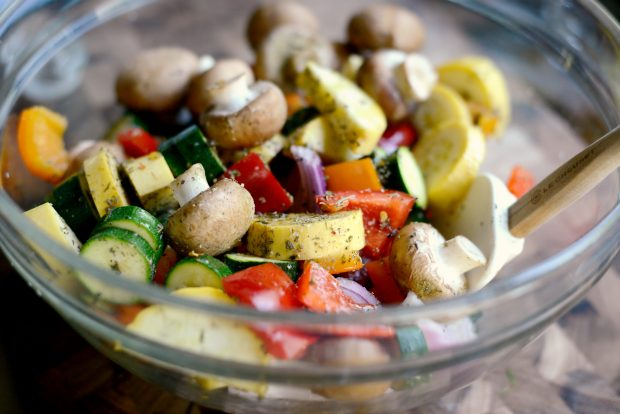 30-minute Chicken Sausage + Italian Vegetable Kebabs l SimplyScratch.com (3)