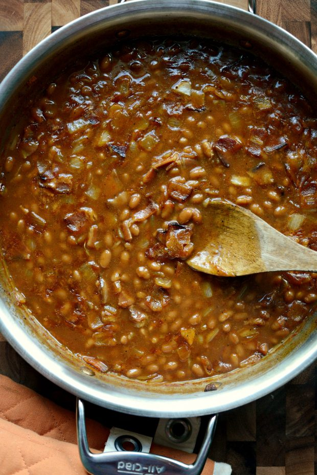 5-Ingredient Barbecue Bacon Baked Beans l SimplyScratch.com (14)