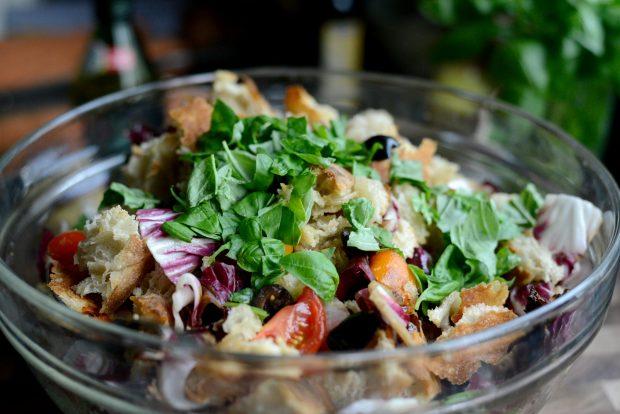 Grilled Radicchio, Bell Pepper + Olive Panzanella l SimplyScratch.com (22)