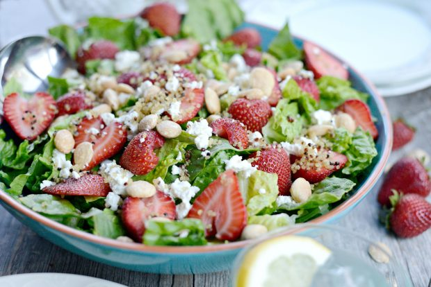 Strawberry + Goat Cheese Salad with Crispy Fried Quinoa l SimplyScratch.com (20)