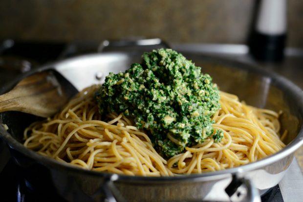 Whole Wheat Spaghetti with Zucchini + Spinach Almond Pesto Sauce l SimplyScratch.com (27)