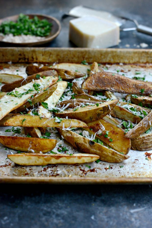 Garlic, Parmesan + Fresh Herb Oven Fries l SimplyScratch.com (4)
