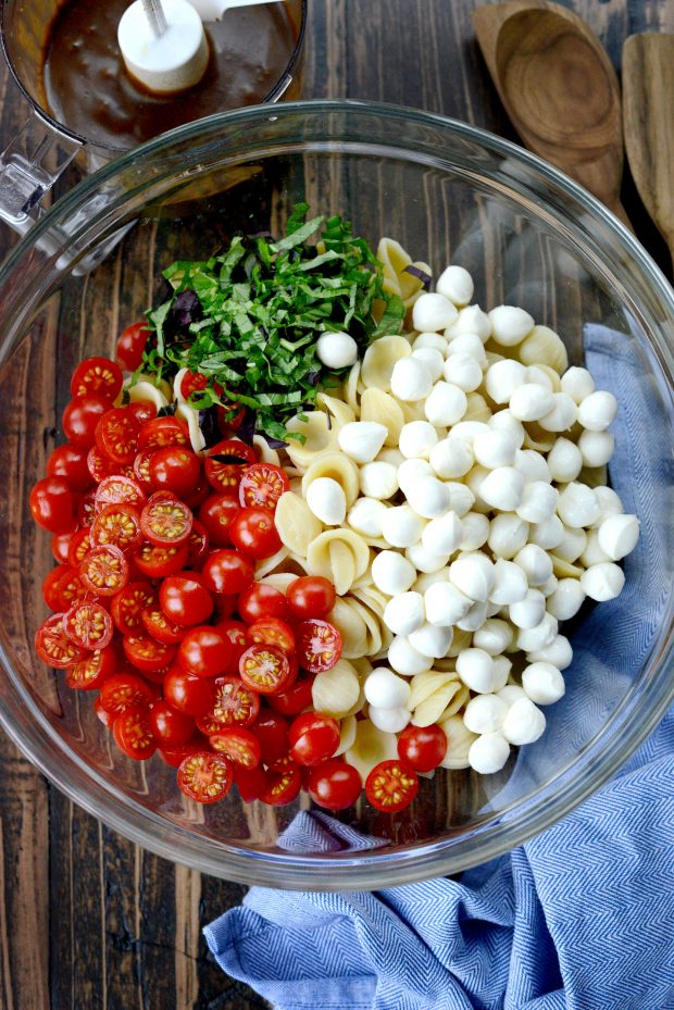 Caprese Pasta Salad l SimplyScratch.com (4)