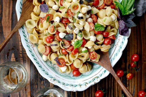 Caprese Pasta Salad l SimplyScratch.com (7)