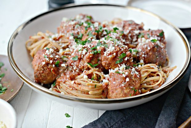 slow cooker Italian turkey meatballs l simplyscratch.com
