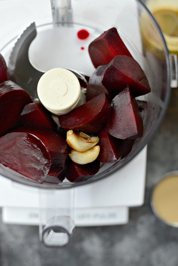 roasted beet hummus l simplyscratch.com