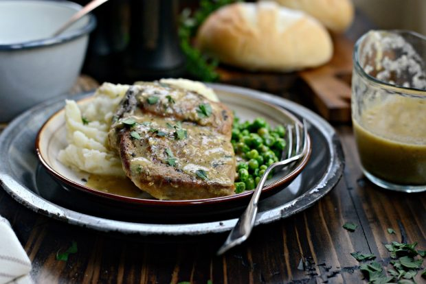 slow cooker pork chops with herb gravy