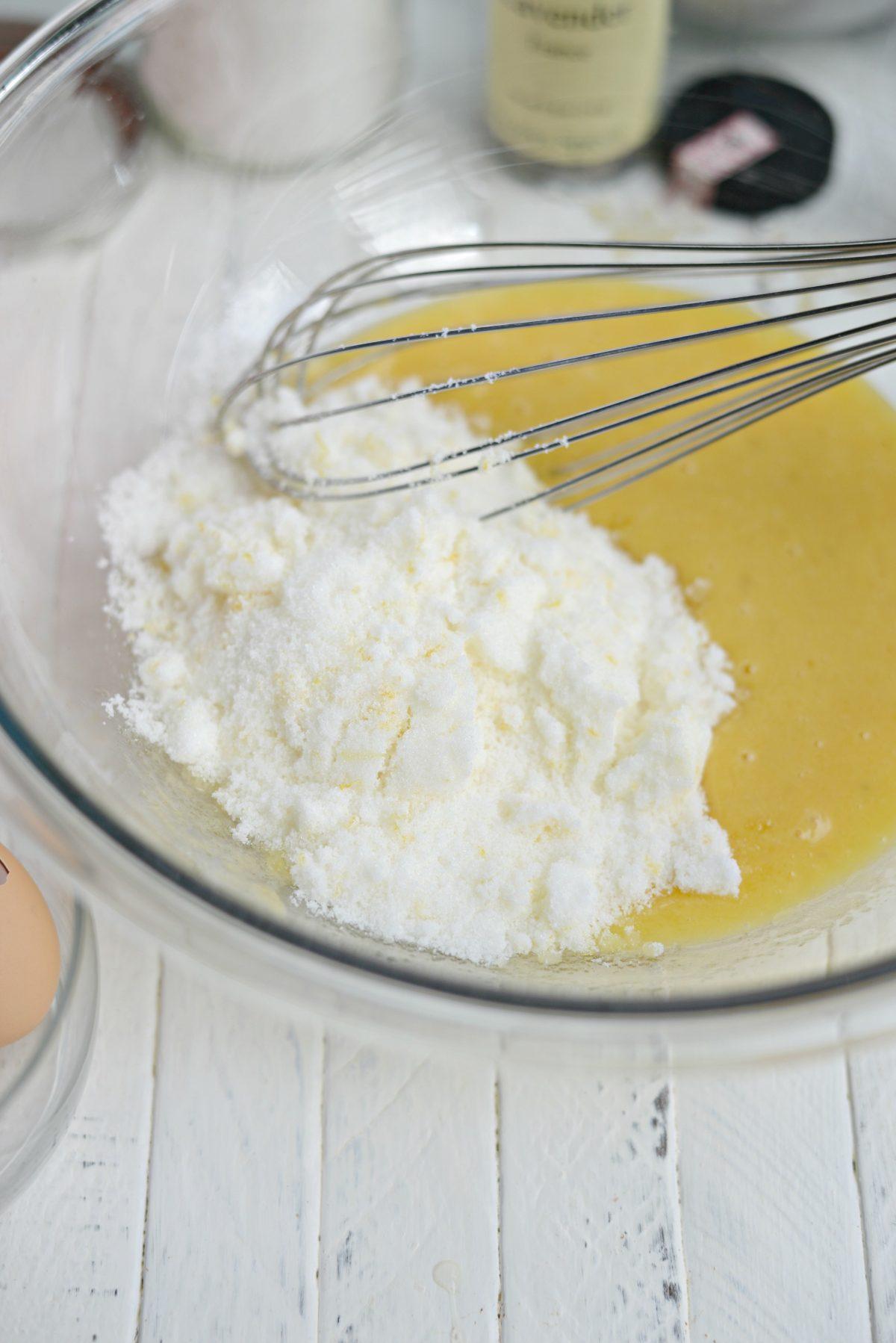 add lemon sugar to bowl