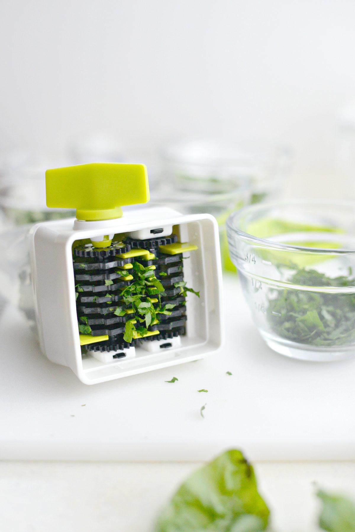 3 Ways to Freeze Herbs with Pampered Chef l SimplyScratch.com (13)