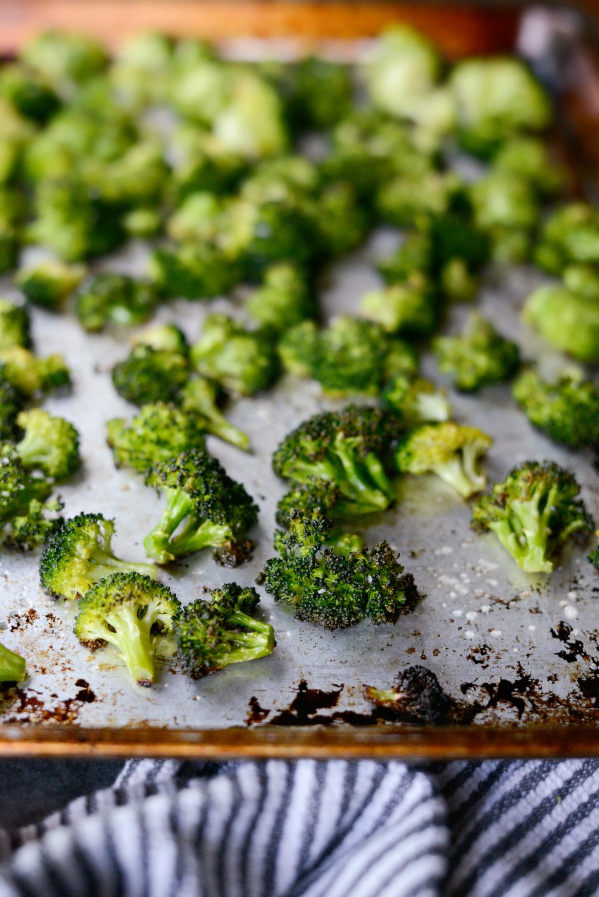 The Best 10-Minute Roasted Broccoli Recipe l SimplyScratch.com (11)