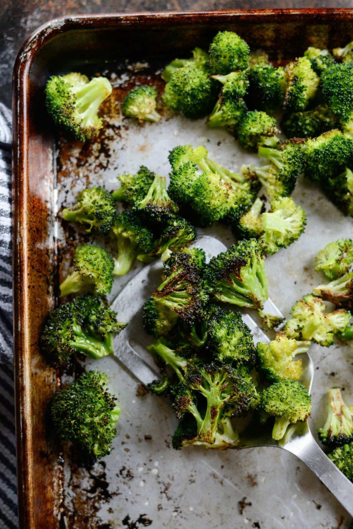 The Best 10-Minute Roasted Broccoli Recipe l SimplyScratch.com (13)