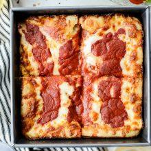 Detroit-Style Pizza l SimplyScratch (16)