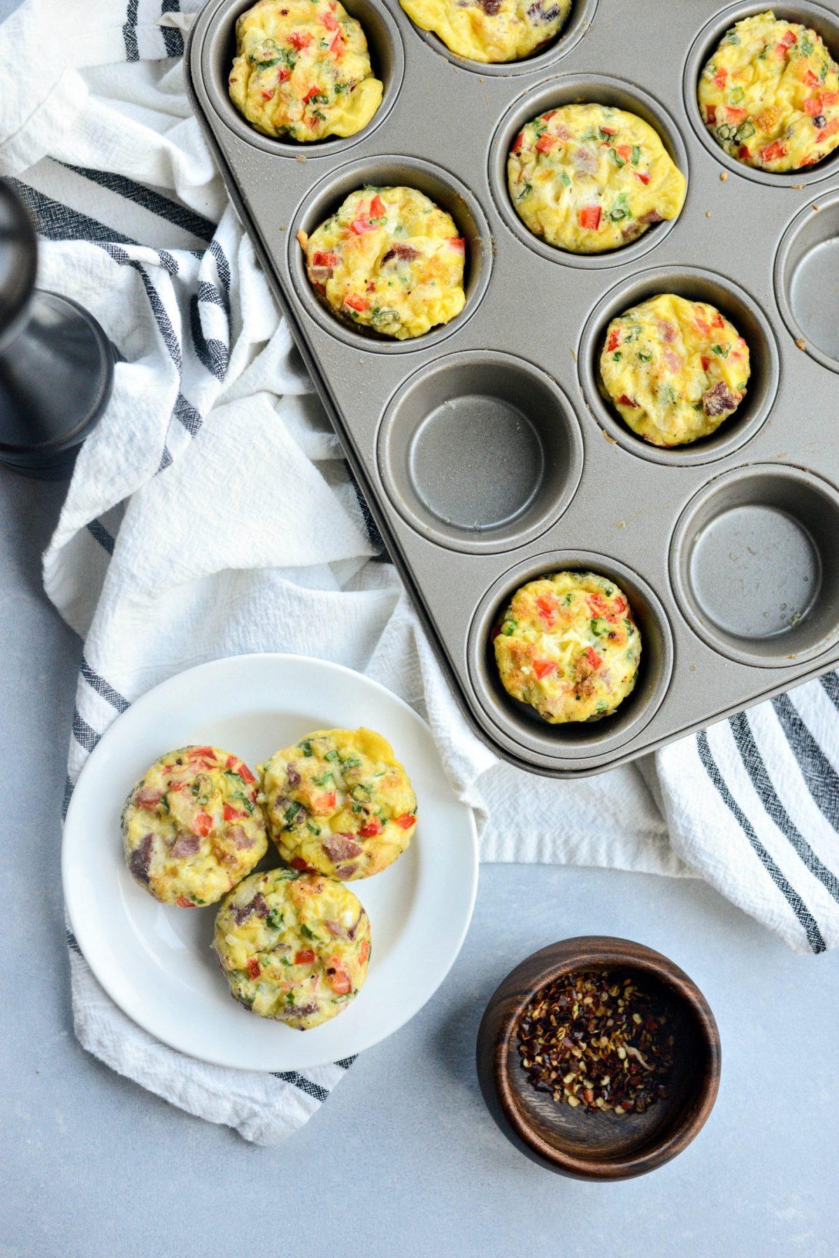 Mini Western Omelet Frittatas l SimplyScratch.com