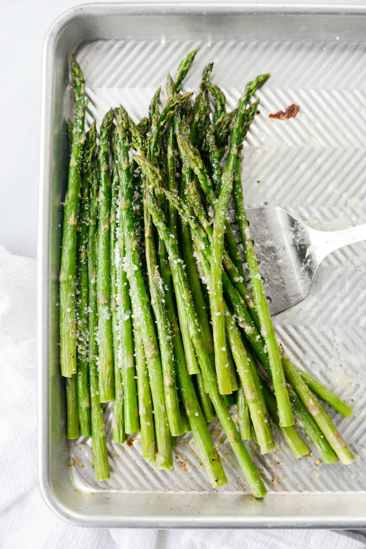 Garlicky Lemon Parmesan Roasted Asparagus l SimplyScratch.com (9)
