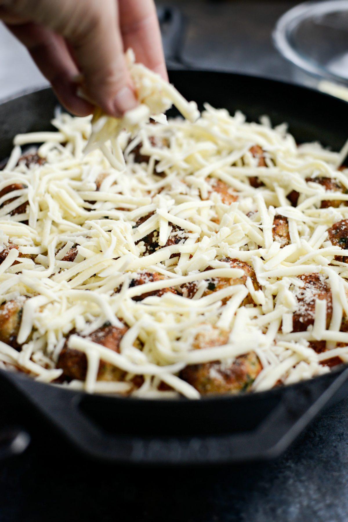 Skillet Chicken Parmesan Meatballs l SimplyScratch.com