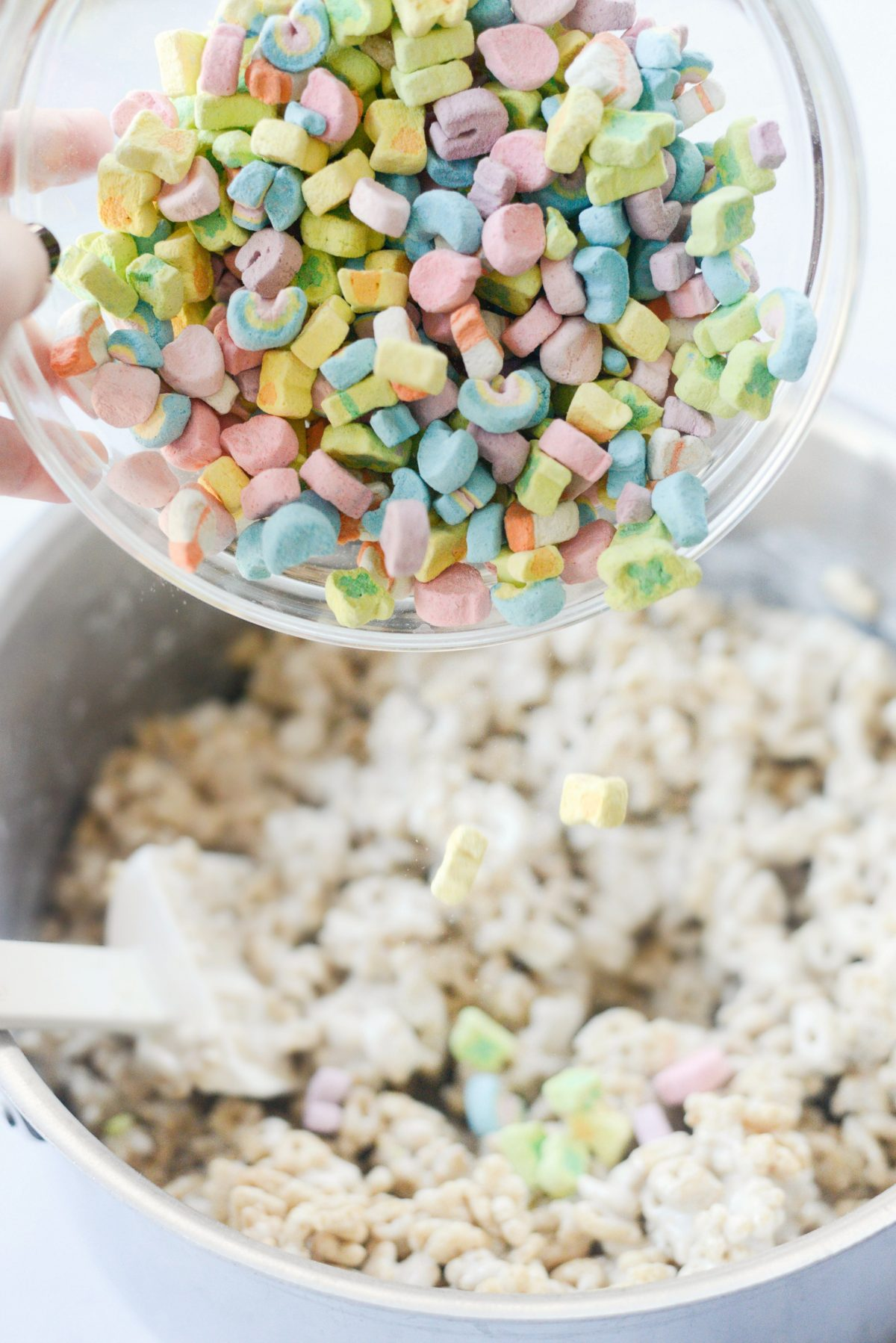 Lucky Charms Marshmallow Treats l SimplyScratch.com (9)