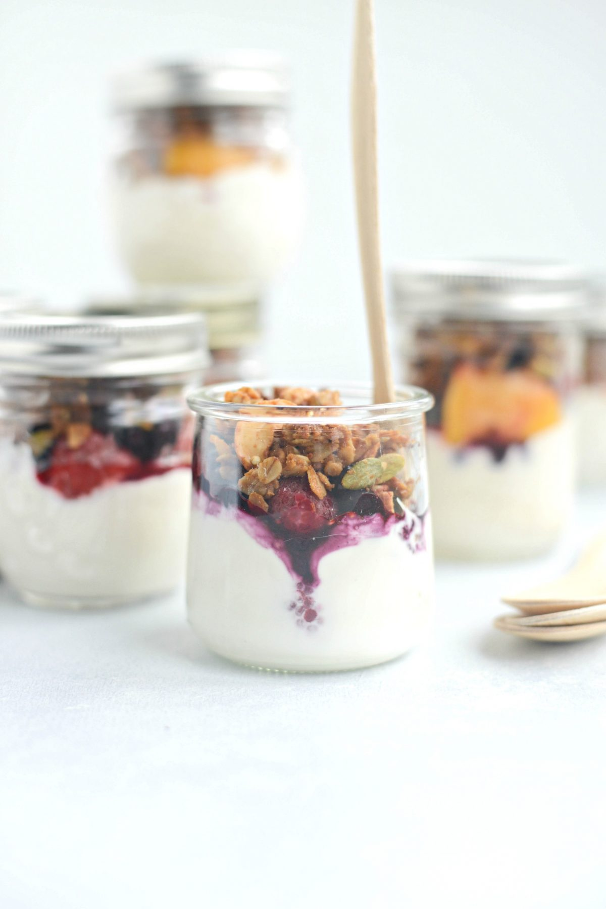 Make Ahead Yogurt Parfaits l SimplyScratch.com