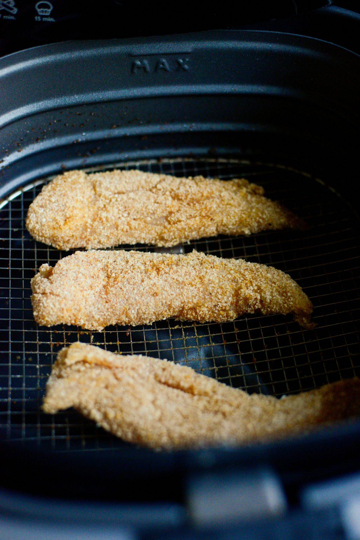 Crispy Air Fryer Chicken Tenders l SimplyScratch.com