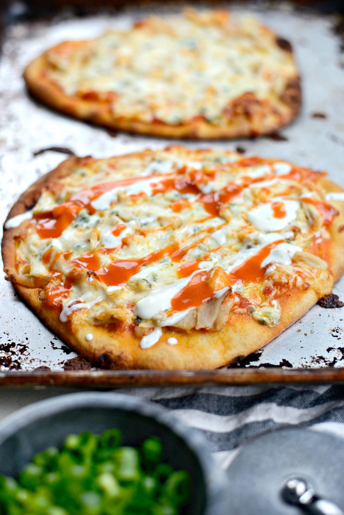 Buffalo Chicken Flatbread Pizzas l SimplyScratch.com