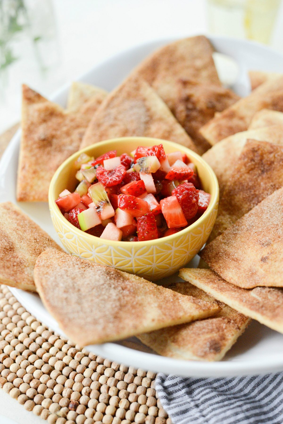 Fruit Salsa with Baked Cinnamon Sugar Chips l SimplyScratch.com