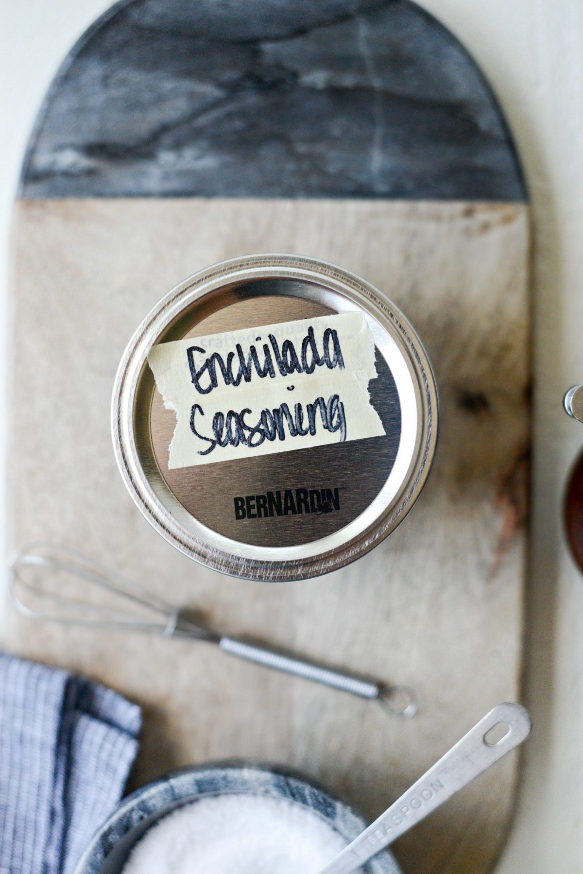 Homemade Enchilada Seasoning Blend l SimplyScratch.com