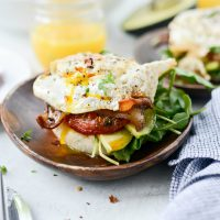 Open-Faced Breakfast BLAT with Spicy Mayo