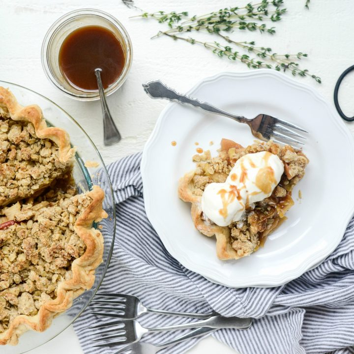Brown Sugar Apple Pie with Oatmeal Thyme Crumble