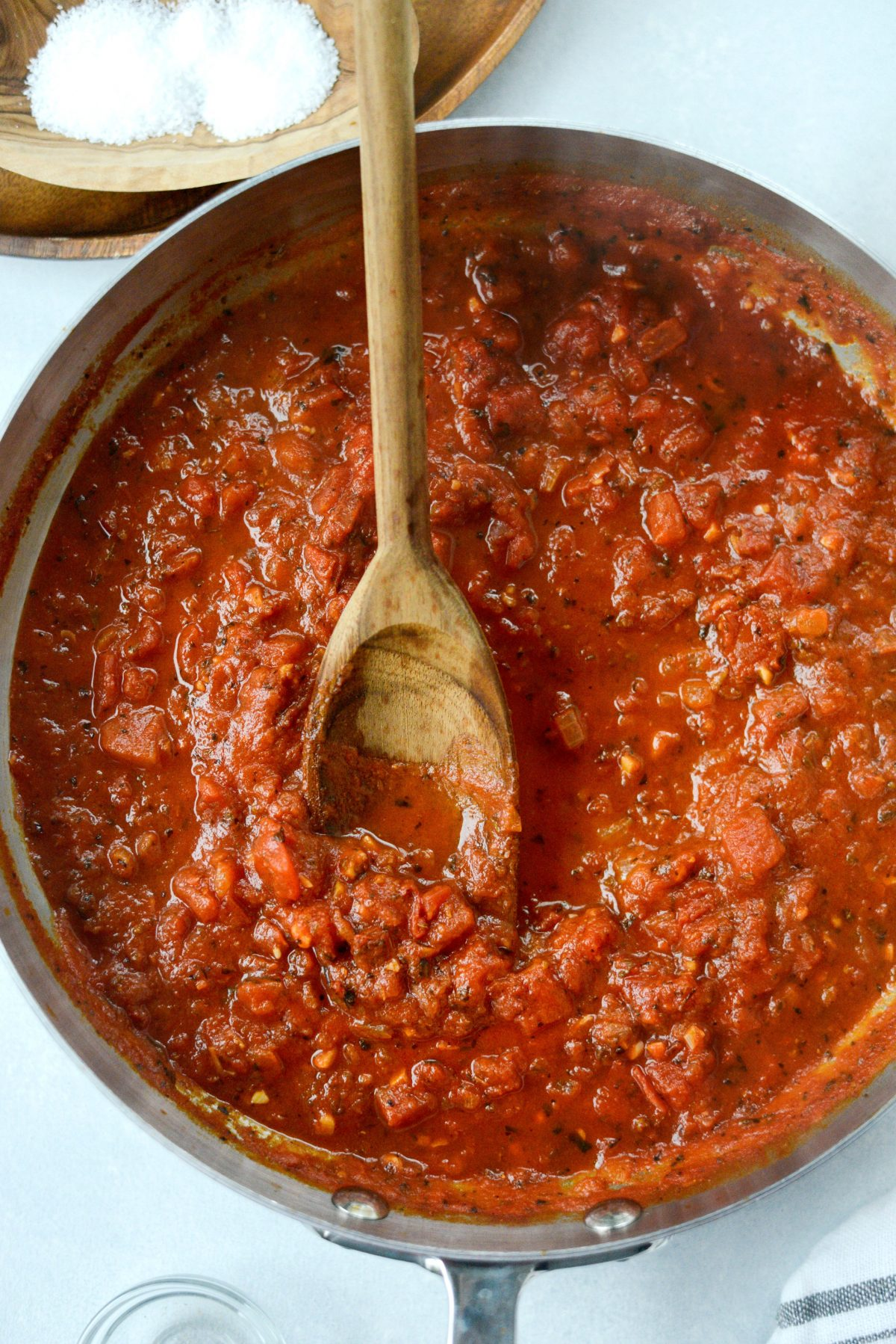 Fire Roasted Tomato Pizza Sauce l SimplyScratch.com