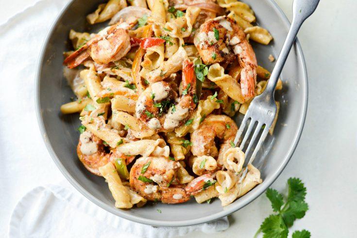Garlicky Fajita Shrimp Pasta