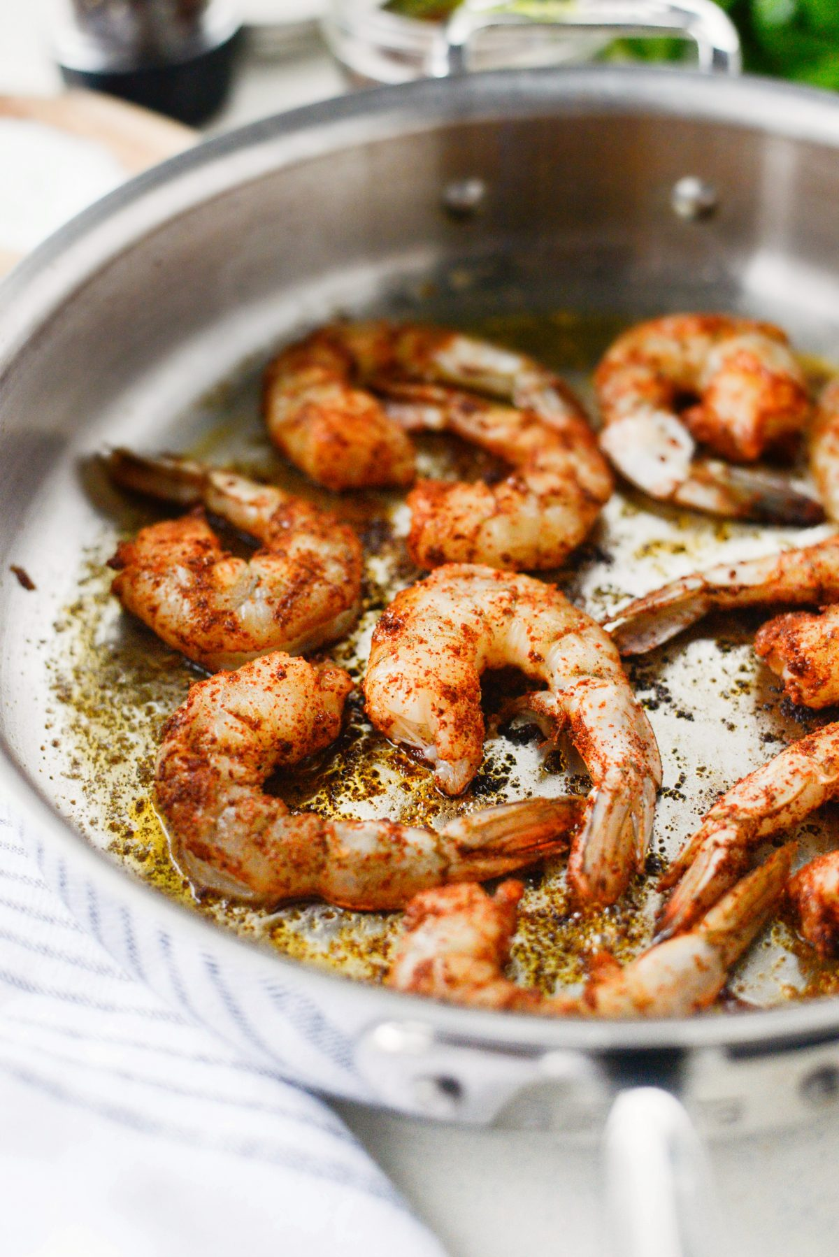 Garlicky Fajita Shrimp Pasta l SimplyScratch.com