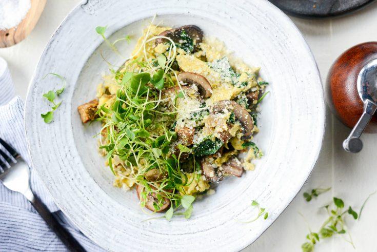 Healthy Spinach and Mushroom Scramble