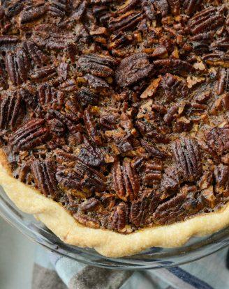Best Pecan Pie Recipe l SimplyScratch.com