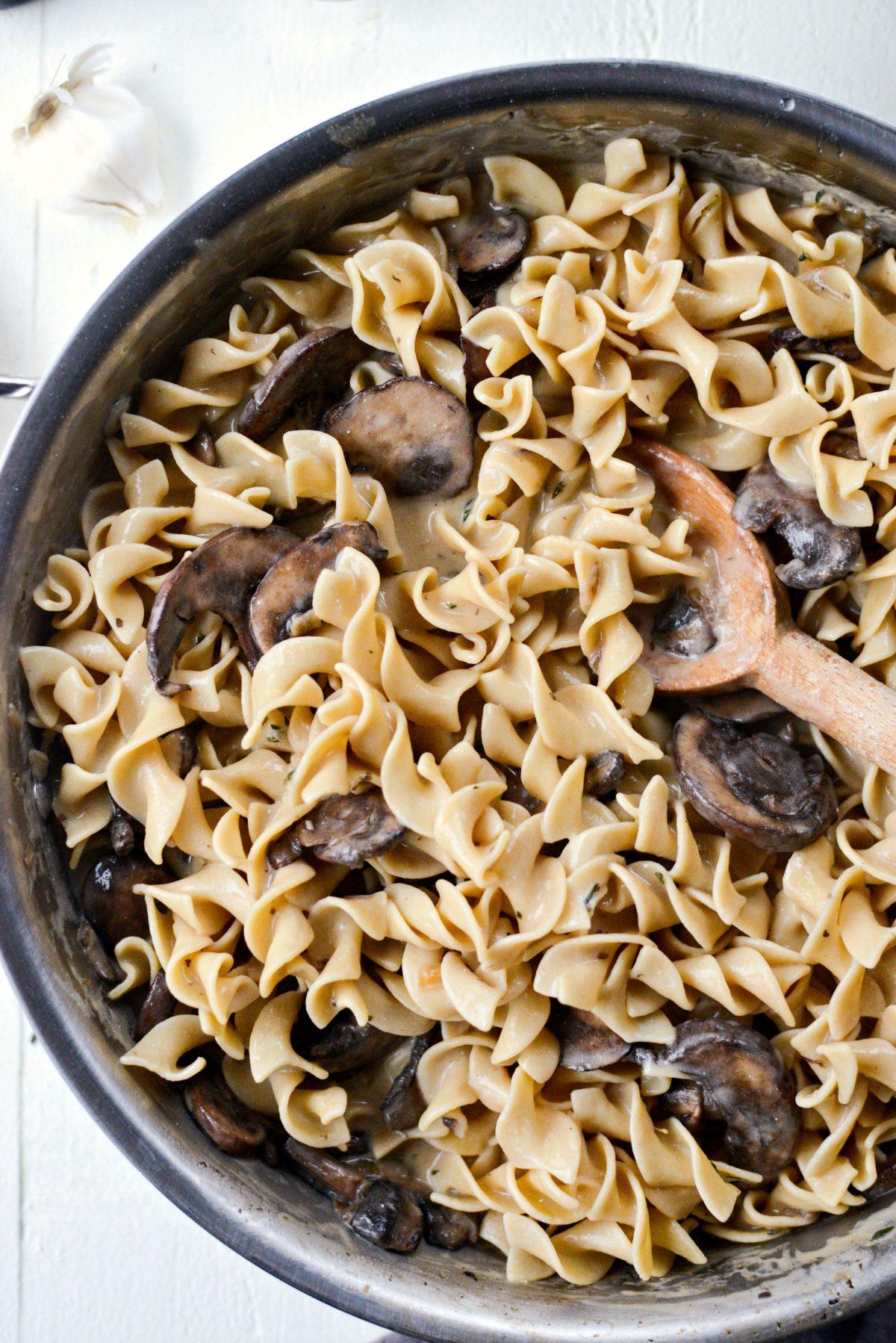 Easy Mushroom Stroganoff l SimplyScratch.com