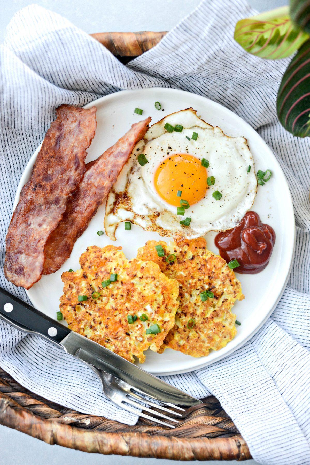 Cauliflower Breakfast Hash Browns l SimplyScratch.com