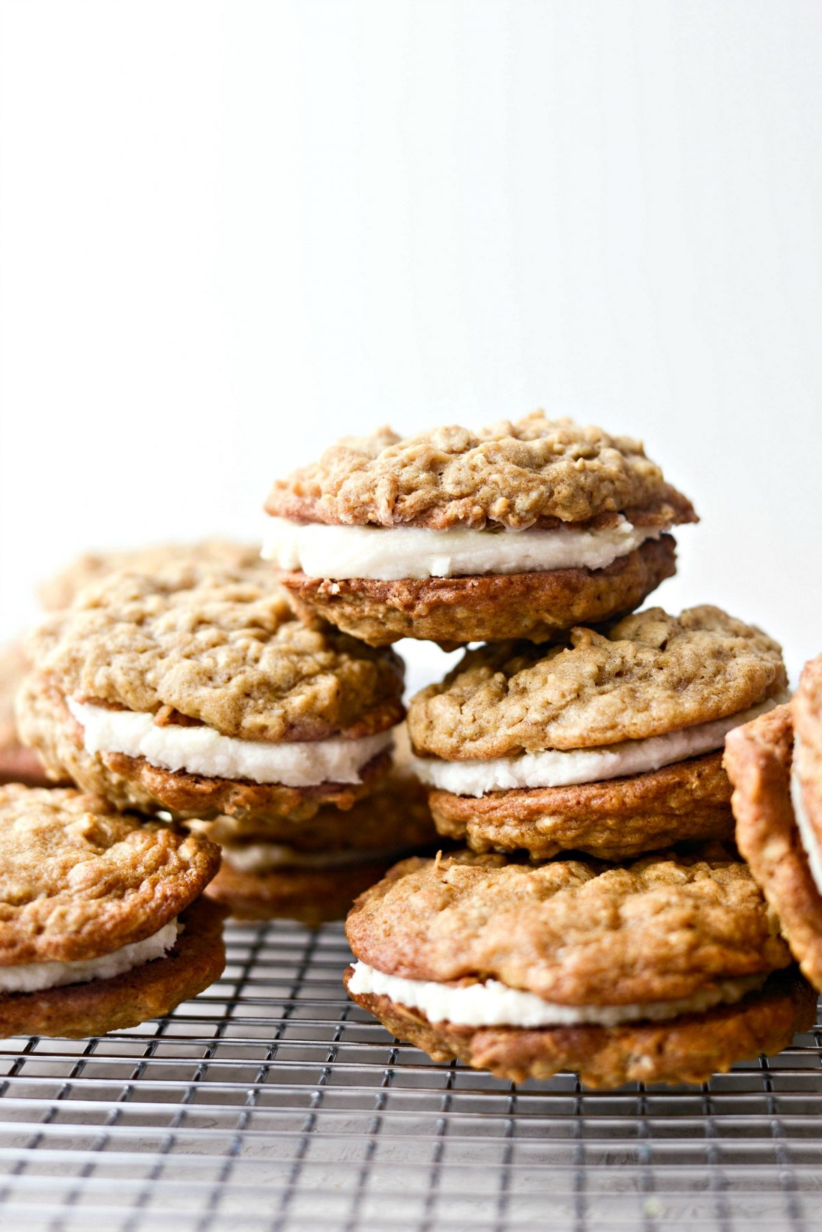 Homemade Oatmeal Cream Pies l SimplyScratch #homemade #oatmeal #creampie #cookies #fromscratch #buttercream #sandwich