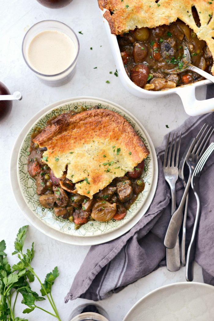 Guinness Beef Pot Pie l Recipes to Make On St. Patrick's Day