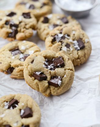 Salted Dark Chocolate Chunk Tahini Cookies l SimplyScratch.com #tahini #chocolate #chunk #seasalt #cookies