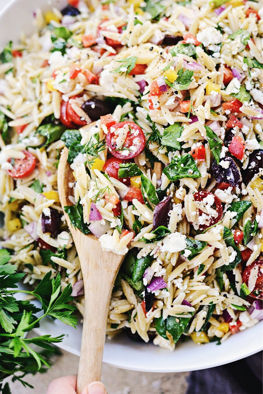 Greek Orzo Salad l SimplyScratch.com #greek #orzo #pasta #salad #spinach #feta #picnic