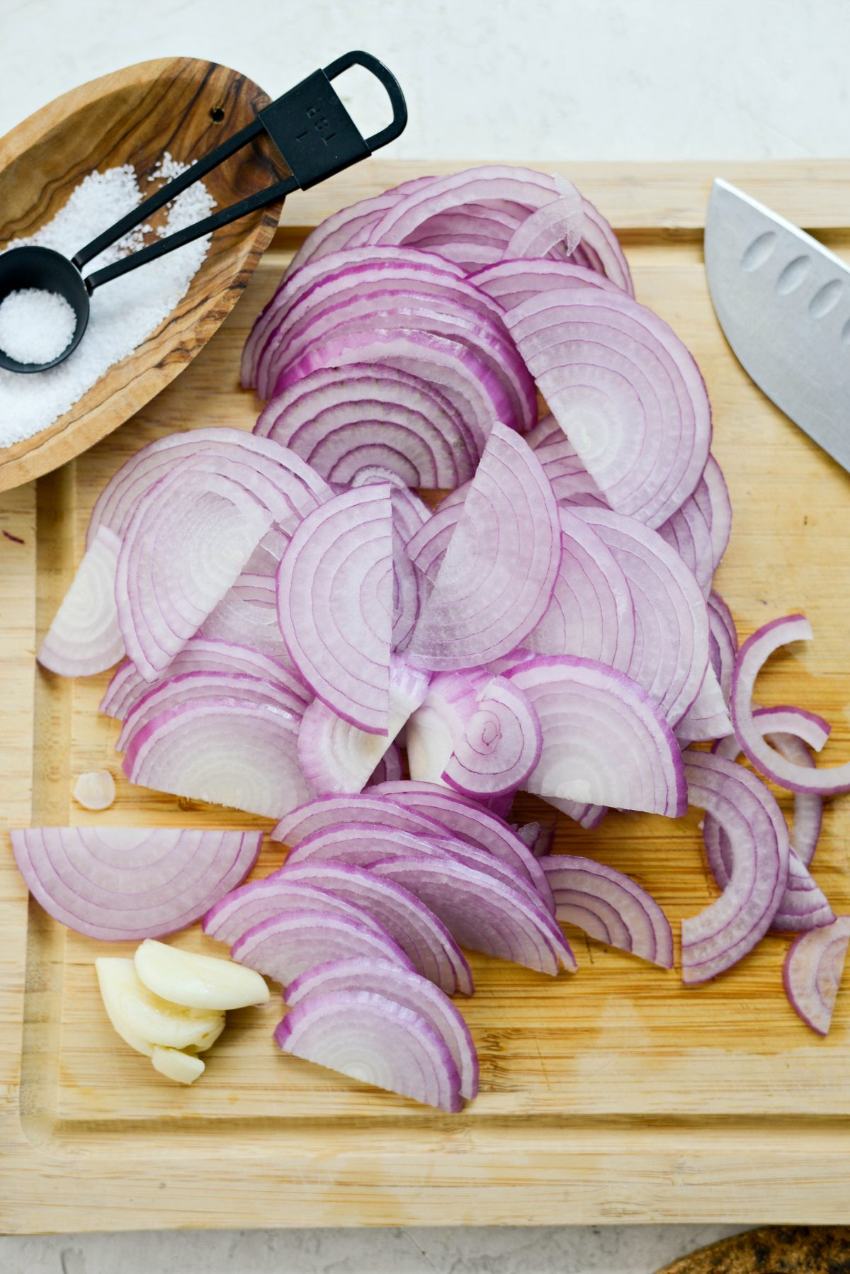 Quick Pickled Red Onions l SimplyScratch.com #homemade #pickled #redonions #condiments #preserving #pickling