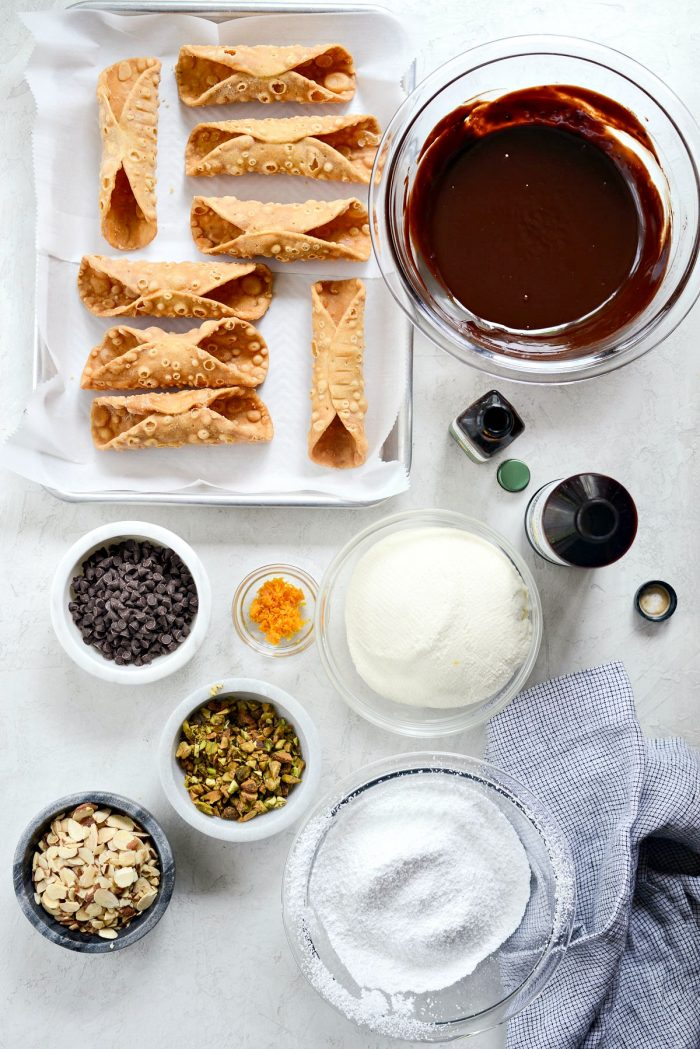 Easy Homemade Cannolis l SimplyScratch.com #easy #homemade #cannoli #ricotta #italian #dessert