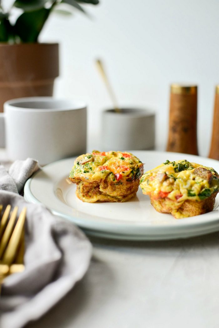 Sausage Potato Mini Frittatas l SimplyScratch.com #breakfast #onthego #easy #makeahead #frittatas #simplyscratch