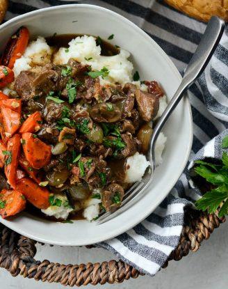 Homemade Beef Bourguignon l SimplyScratch.com #beef #burgundy #bourguignon #stew #simplyscratch #easybourguignon