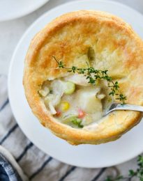 Homemade Chicken Pot Pie l SimplyScratch.com #homemade #fromscratch #chickenpotpie #chicken #recipe #bestchickenpotpie #simplyscratch #dinner