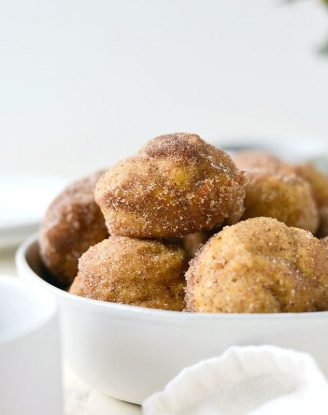 Sugared Pumpkin Spice Muffins l SimplyScratch.com #pumpkin #pumpkinspice #muffins #baking #fall #recipe #simplyscratch
