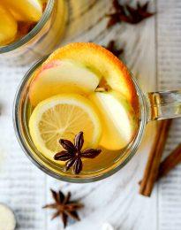 Mulled Apple Cider l SimplyScratch.com #apple #applecider #mulled #cider #drink #fall #beverage