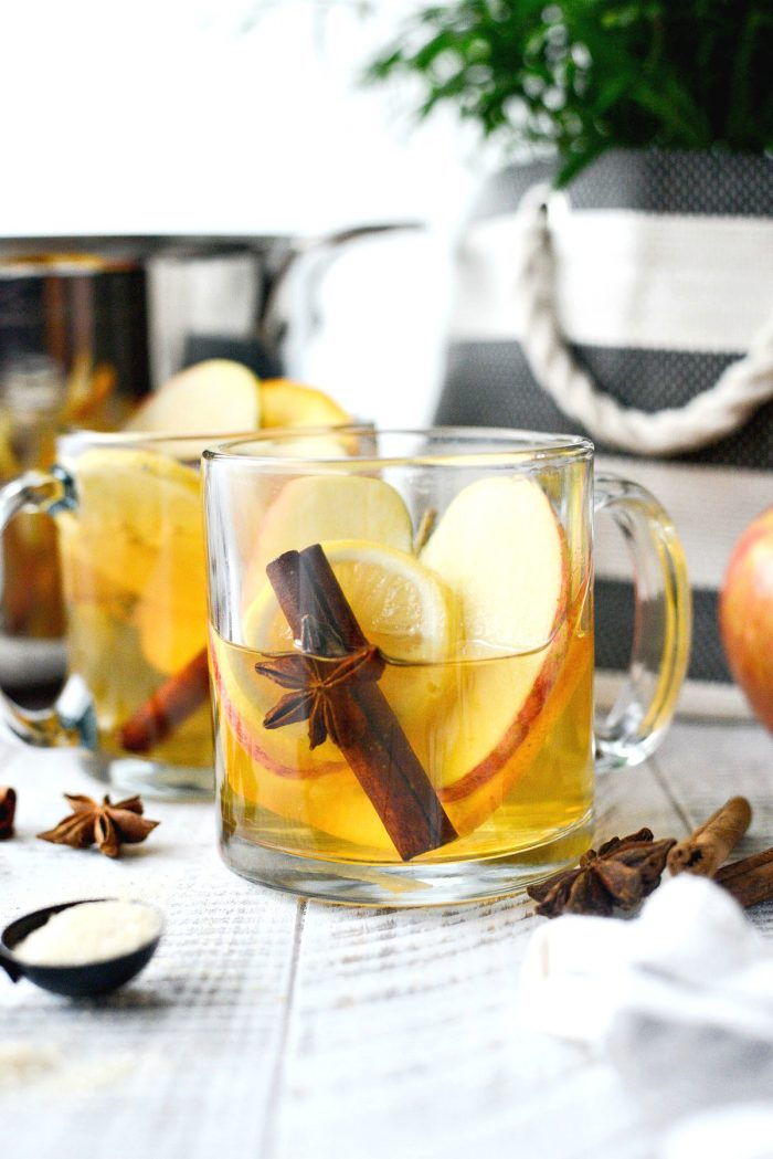 Mulled Apple Cider l SimplyScratch.com #apple #applecider #mulled #cider #drink #fall #beverage