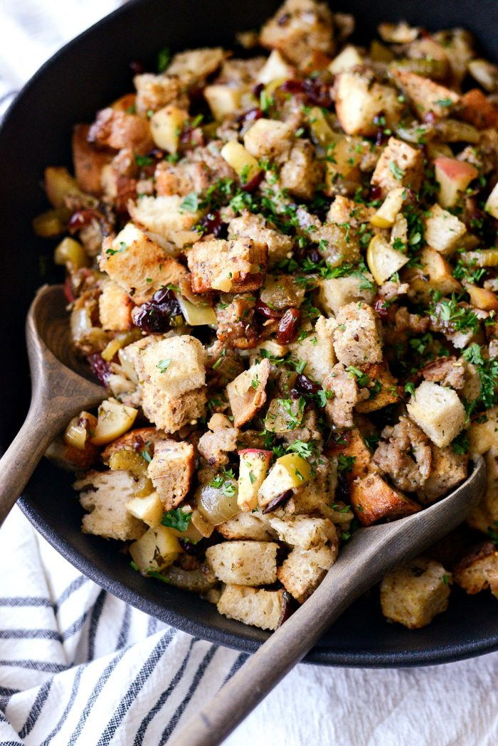 Sausage Apple Cranberry Stuffing l SimplyScratch.com #thanksgiving #sidedish #stuffing #apple #sausage #cranberry #holidaysidedish