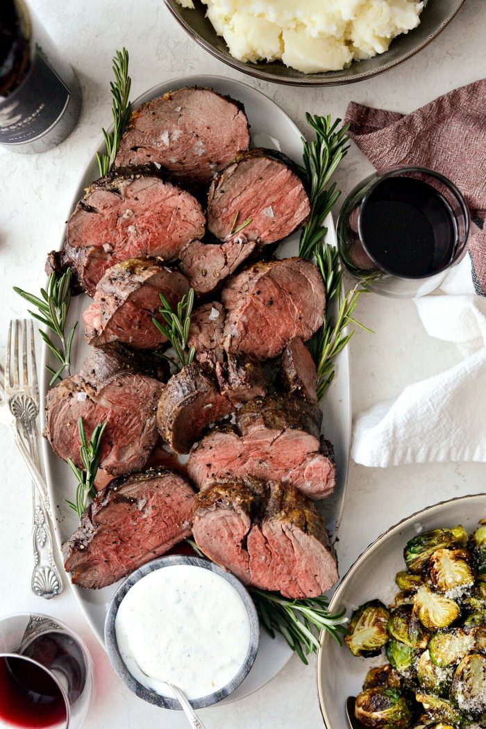Black Pepper Crusted Beef Tenderloin l SimplyScratch.com #blackpepper #crusted #beef #tenderloin #holiday #christmas #recipe #homemade #roasted