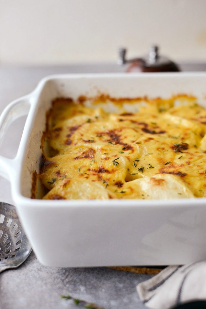 Easy Scalloped Potatoes l SimplyScratch.com #holiday #homemade #fromscratch #scalloped #potatoes #sidedish #casserole